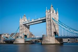 欧洲天桥唯美风景画