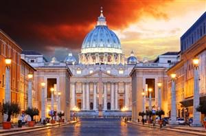 圣彼得大教堂夜景