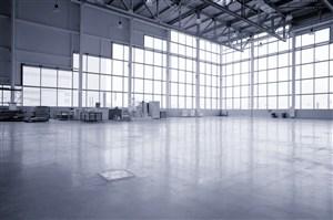 钢结构空旷工厂图片