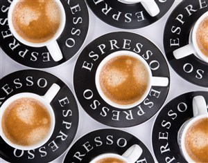 很多咖啡杯的咖啡杯背景素材图片