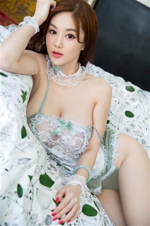 韓國美女空姐床上性感寫真