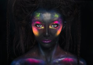 黑色創意彩妝設計高清圖片