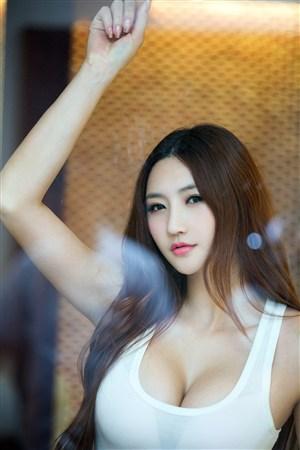 韓國性感大胸美女車模寫真照