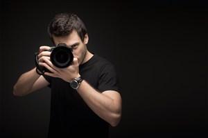 職業人物拿相機攝影師海報設計素材