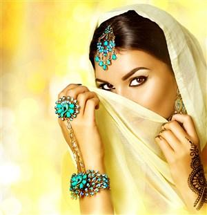 充滿誘惑的印度美女圖片