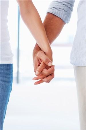 情侣牵手图片手机壁纸