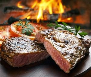 火烤牛排图片