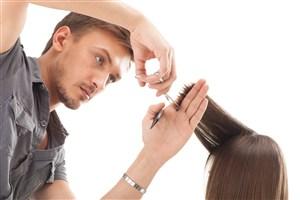 男士理发师理发图片