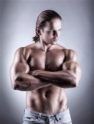 欧美长发男人肌肉男健美图片