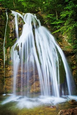 高清瀑布風景圖片