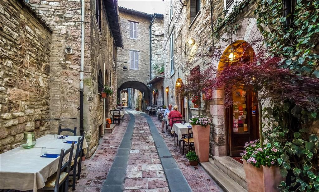 唯美欧洲浪漫小镇风景图片